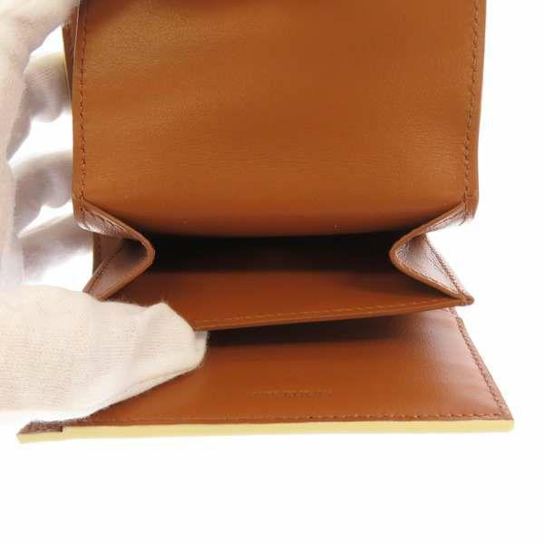 セリーヌ 三つ折り財布 スモール トリオンフウォレット 10D782CQH CELINE 財布 折りたたみ ホワイト 白